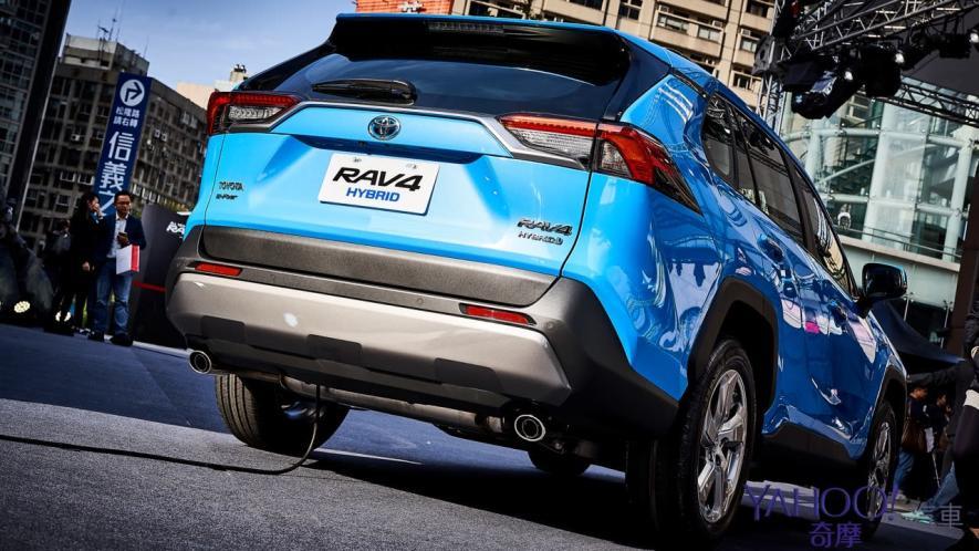 休旅王者霸氣回歸!第5代Toyota Rav4汽油/油電正式登台92.5萬起! - 5