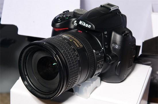 Nikon's D5000 DSLR unboxed ahead of schedule