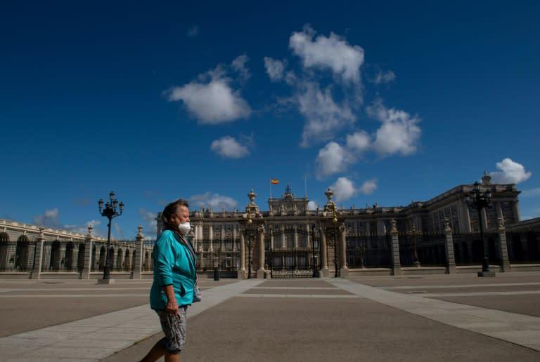 Tourists vanish from locked down Madrid