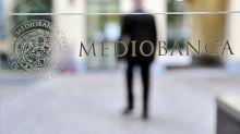 Mediobanca balza oltre 6%, secondo indiscrezioni Del Vecchio punta a 13-14%