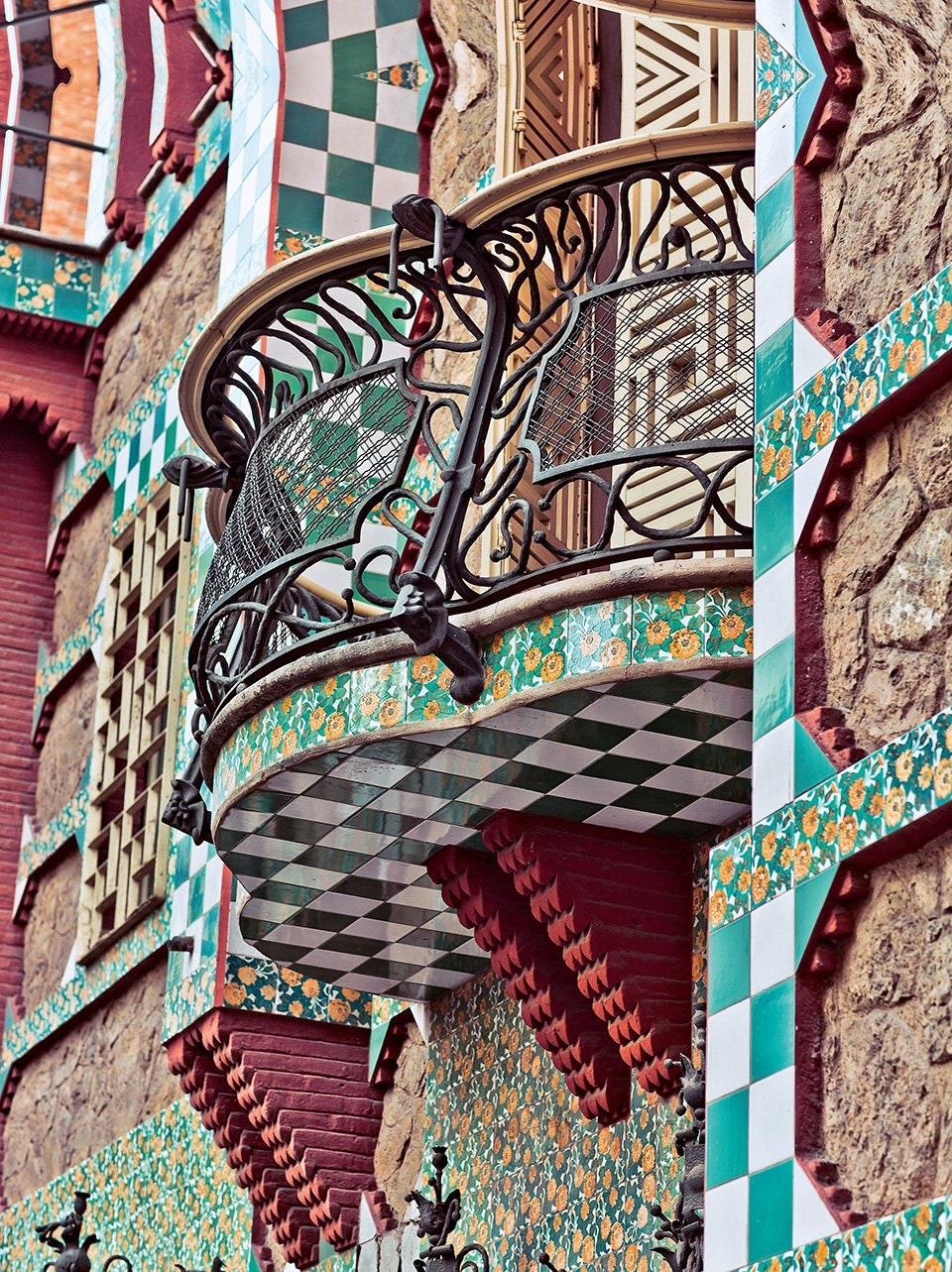 An earlier project constructed between 1878 and 1888, Casa Vicens in Barcelona has wrought-iron balconies that display similarities to many Art Nouveau structures. But its colorful mosaic-clad façade is definitively Gaudí.