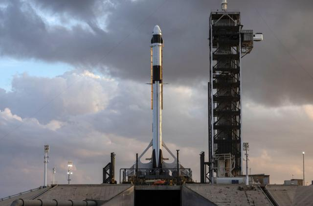 SpaceX test firing sets path for Crew Dragon flight in February