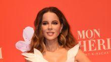 Kate Beckinsale dreht zu Weihnachten die Klimaanlage runter