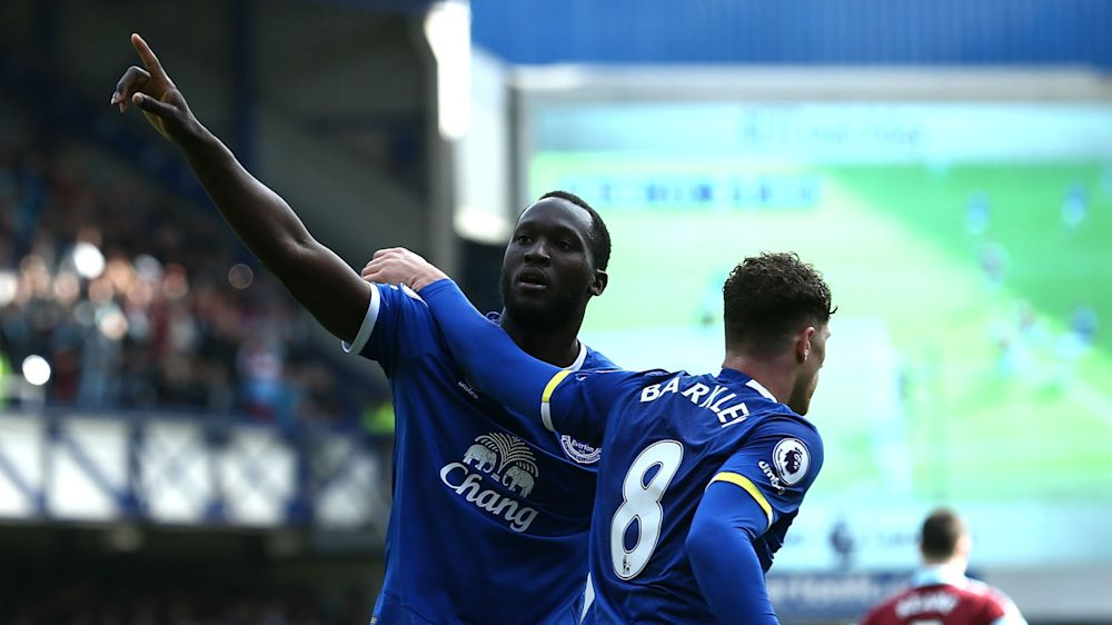 Everton 3 Burnley 1: Barkley, Lukaku to the fore as Toffees extend winning run