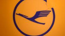 Lufthansa to cut free snacks for economy passengers