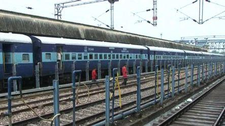 Power failure hit train service on Agra-Delhi route