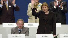 Rückblick auf Merkels erstes Jahr: Deutschland zwischen Schwarzgeldaffäre und Expo