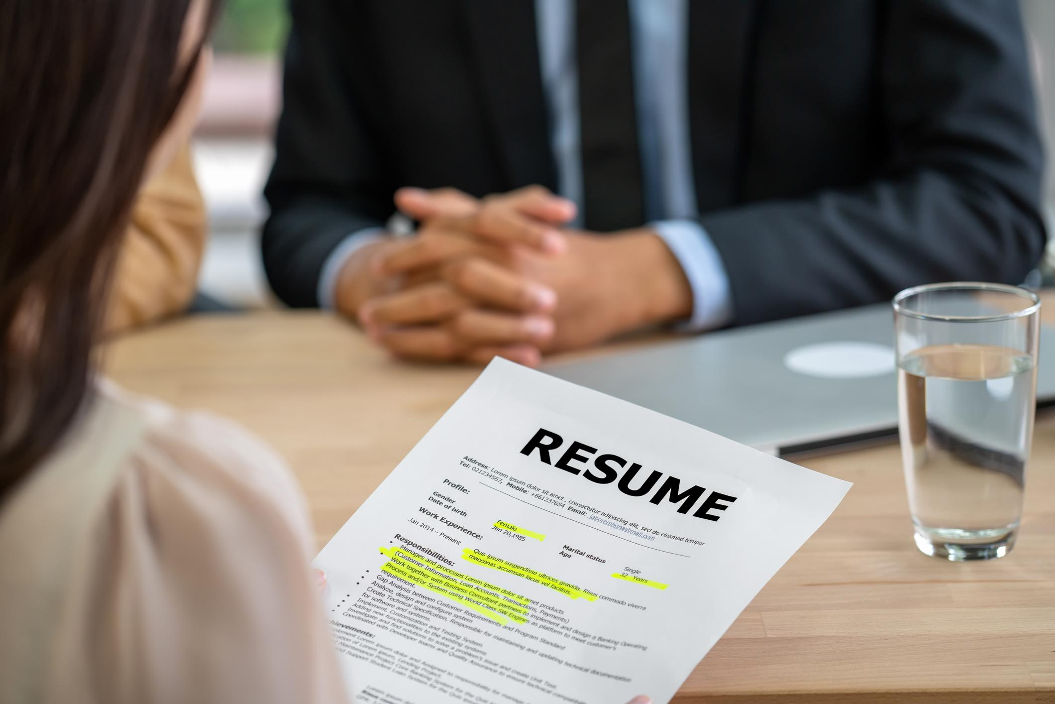 This resumé promises to land you a six-figure job