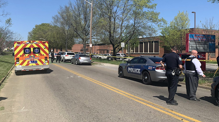 Shooting at Tenn. school leaves 1 dead, officer injured