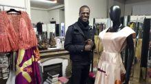 """""""Je ne me suis jamais découragé"""" : le Camerounais Imane Ayissi bouscule le monde de la haute couture parisienne"""