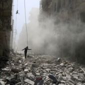 Air strikes pound rebel-held Aleppo districts