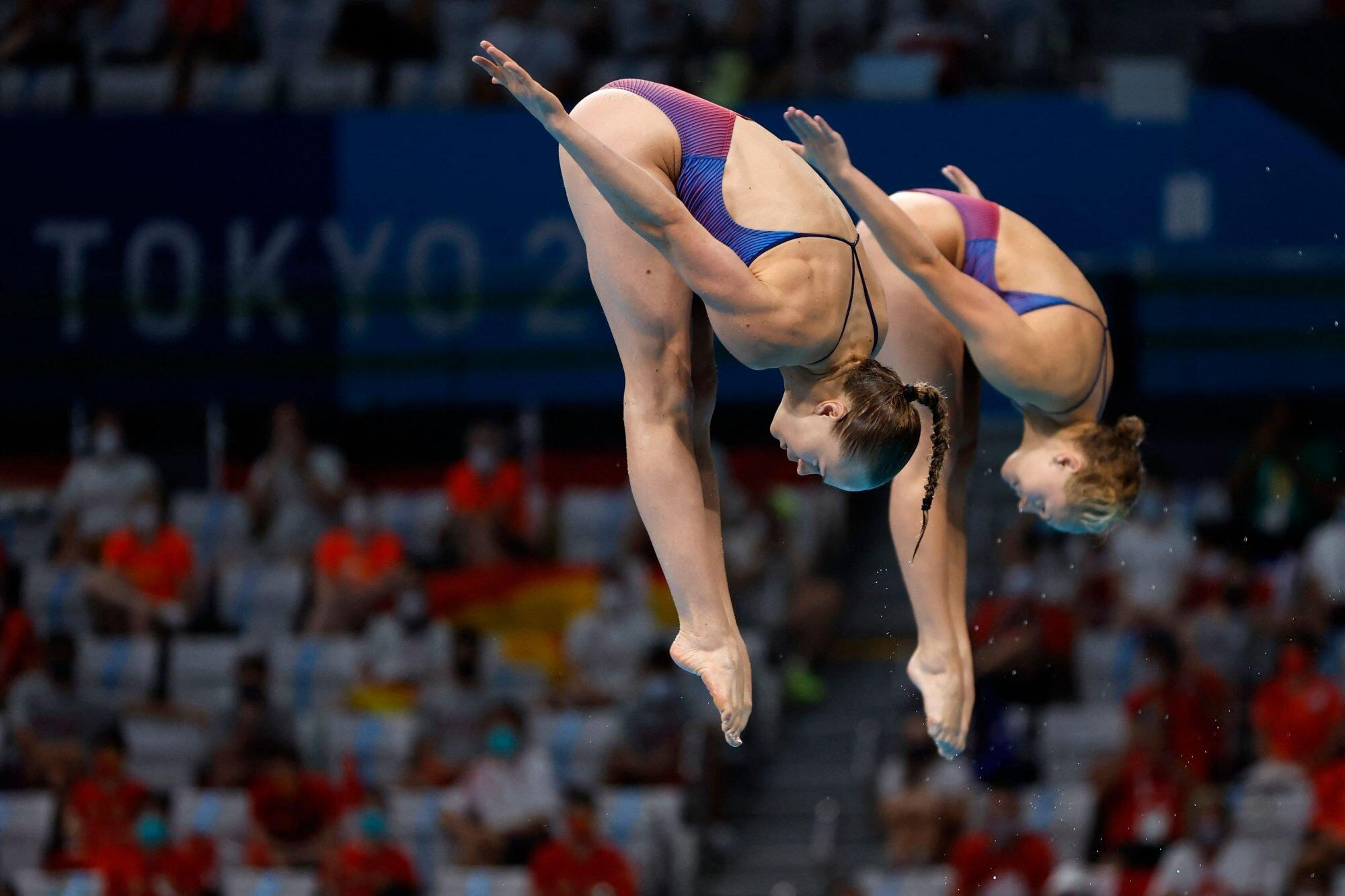 U.S. Women's Divers Crumble from First to Last in Synchronized Event — but Choose to Keep Smiling