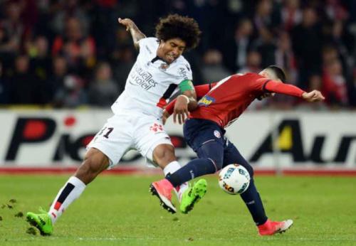 Dante volta a Lille e ajuda o Nice a vencer mais uma no Francês