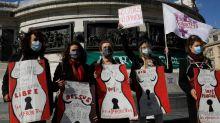 Rassemblement à Paris pour un meilleur accès à l'avortement
