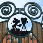 Apple to compete with Disney for subscription growth