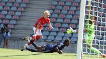 Foot - L1 - Nîmes écrase Brest et devient leader de Ligue1, première victoire du promu Lorient contre Strasbourg