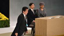 """Novo imperador japonês manifesta """"profundos remorsos"""" pela guerra"""