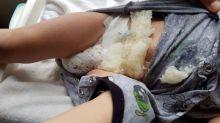 """Dad gibt Warnung heraus, nachdem die Windel seines Sohnes explodiert ist und diesen mit """"gefährlichen"""" Gelatinekristallen bedeckt hat"""