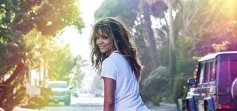 Halle Berry, 54, stuns fans with cheeky snap