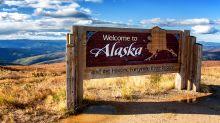 Powerful quake shakes Alaska towns, creates small tsunami
