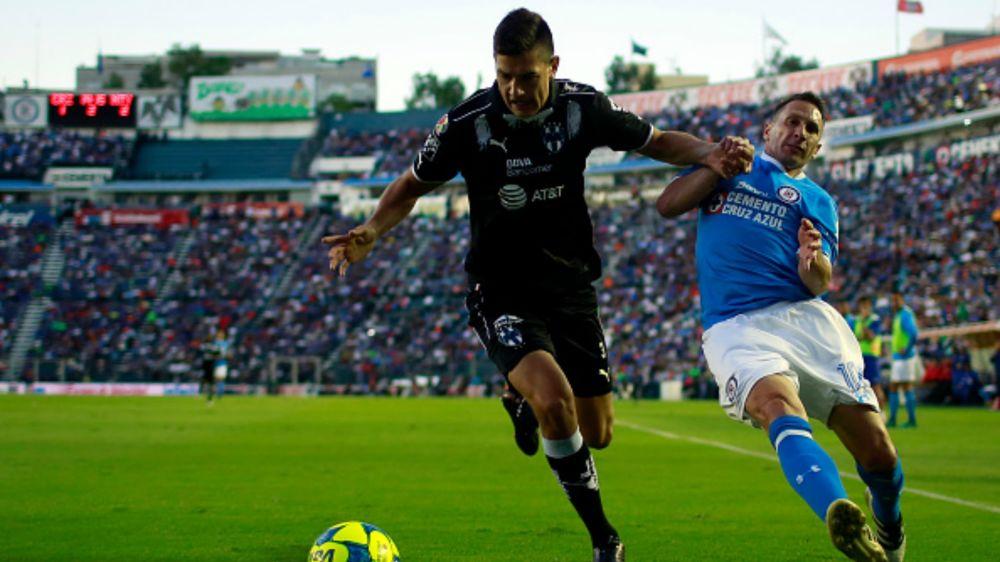 Monterrey niega tener alguna oferta por César Montes