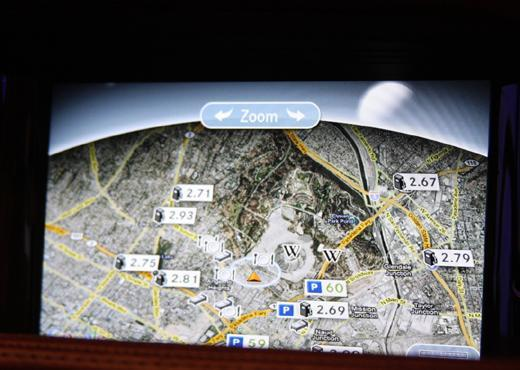 Mercedes-Benz's myCOMMAND system demoed on video