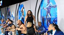 Jason Momoa leads a dramatic haka at 'Aquaman' premiere