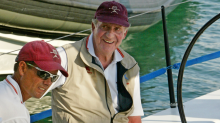 El día que el rey Juan Carlos y sus escoltas tiraron a una amiguita por la borda