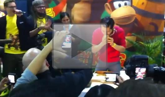 Championship eater inhales bananas at Donkey Kong Country Returns launch