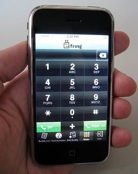 iPhone gets VoIP and chat options thanks to Fring