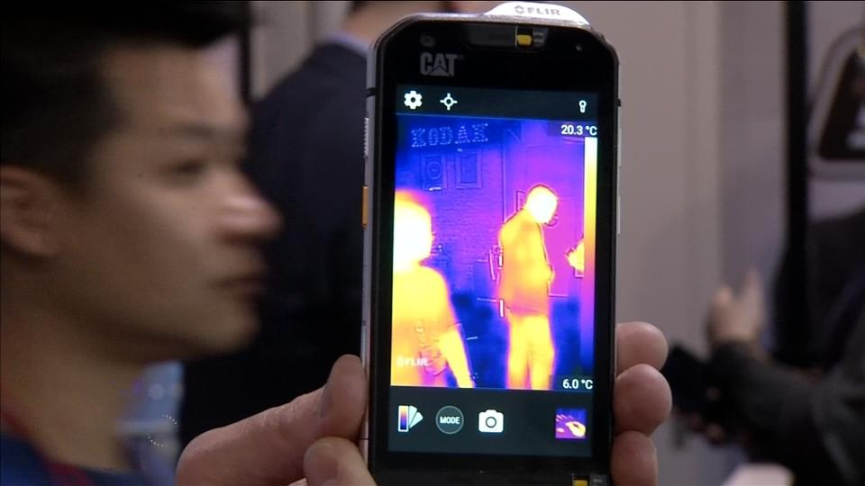 World's first thermal imaging phone camera [Video]