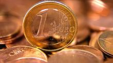 Euro sags as rates held steady; Dow streak ends