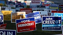 On eve of midterms, polls give Democrats edge on generic ballots