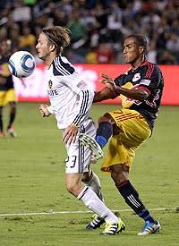 Beckham, Galaxy move closer to first title