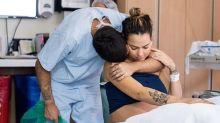 """Carol Dantas lembra parto de Valentin e elogia marido: """"Você foi perfeito"""""""