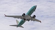 Boeing signs first deal for 737 Max jet since deadly crashes
