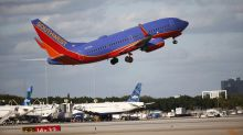Southwest beats Street 2Q forecasts