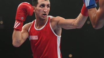 Boxe - Mondiaux amateurs - Championnats du monde amateurs: Billal Bennama et Sofiane Oumiha qualifiés pour les quarts de finale