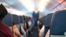 Woman intervenes after overhearing man harass teenage girl on a plane