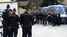 """Aide aux migrants : 4 gardes à vue pour """"aide à l'entrée d'étrangers"""""""