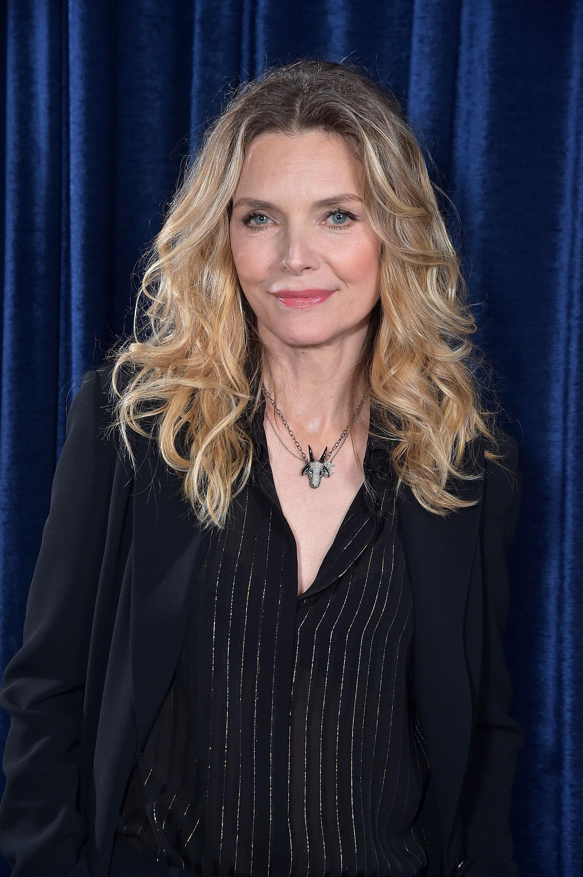 Leaked Michelle Pfeiffer naked (71 foto and video), Pussy, Sideboobs, Selfie, see through 2015