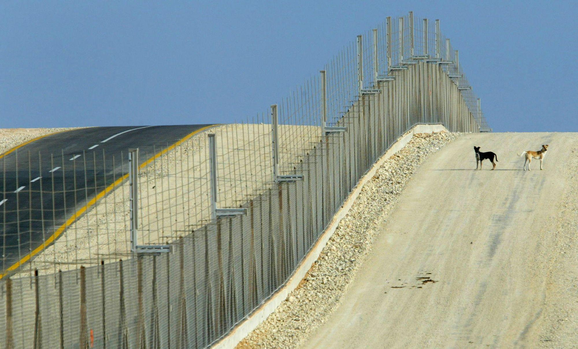 Trump says he wants Israel's border wall. That means he actually wants smart fences.