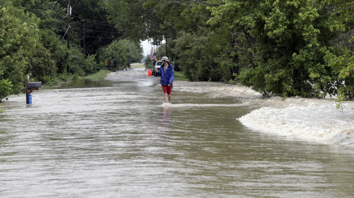 East Coast, Midwest brace for storms