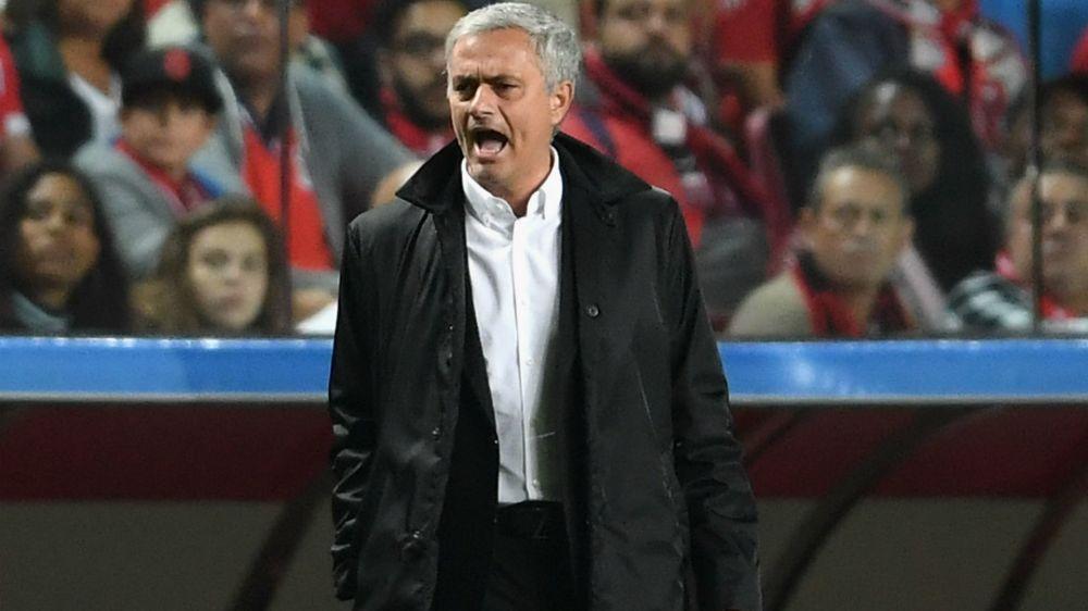 Benfica 0 Manchester United 1: Rashford goal settles poor game after woeful Svilar error
