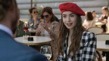 """Los franceses tachan a 'Emily en París' de """"vergonzosa"""" y """"deplorable"""" por los estereotipos que representa"""