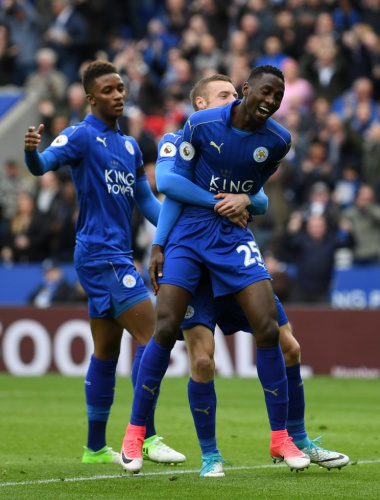Wilfred Ndidi celebrates his first Premier League goal