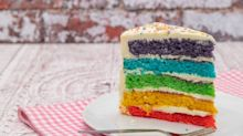 Mulher viraliza no Tik Tok com truque para cortar fatia de bolo perfeita