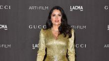 Salma Hayek luce como toda una princesa en este vestido dorado con el que se robó el show