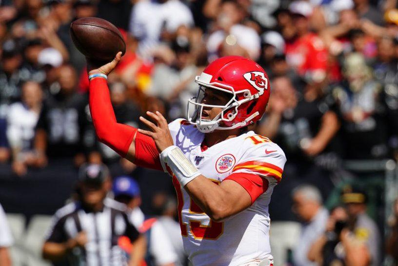 Chiefs beat Raiders 28-10 with 28 unanswered points