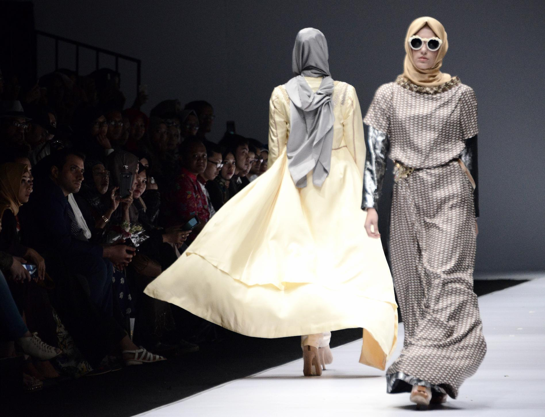 Was 2016 The Year Of The Muslim Fashion Breakthrough
